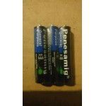 Pack of 3 AAA batteries suitable for glow toys